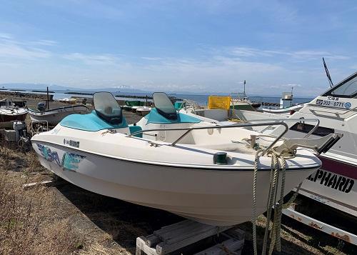 北海道伊達市レンタル釣り船、ヒラメ・カレイ・シャケ釣りの黄金マリン、レンタルプレジャーボートVellFiire(ベルファイヤ)画像